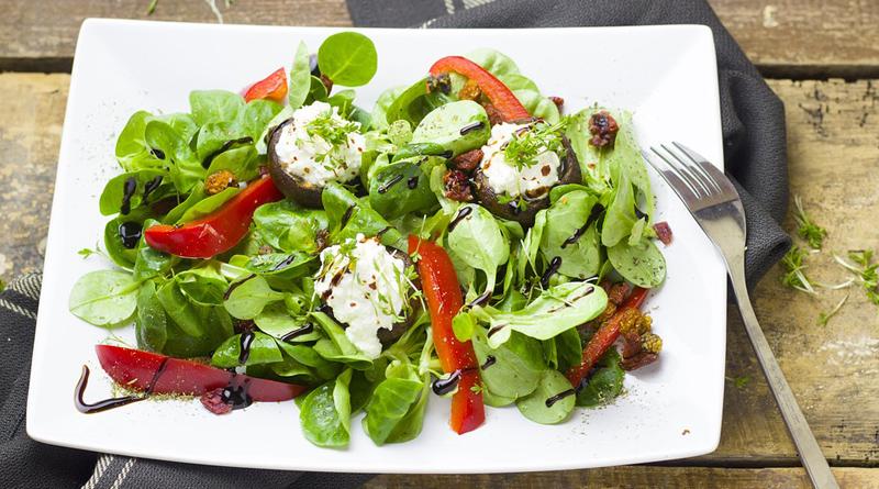 salade composée poivrons roquette