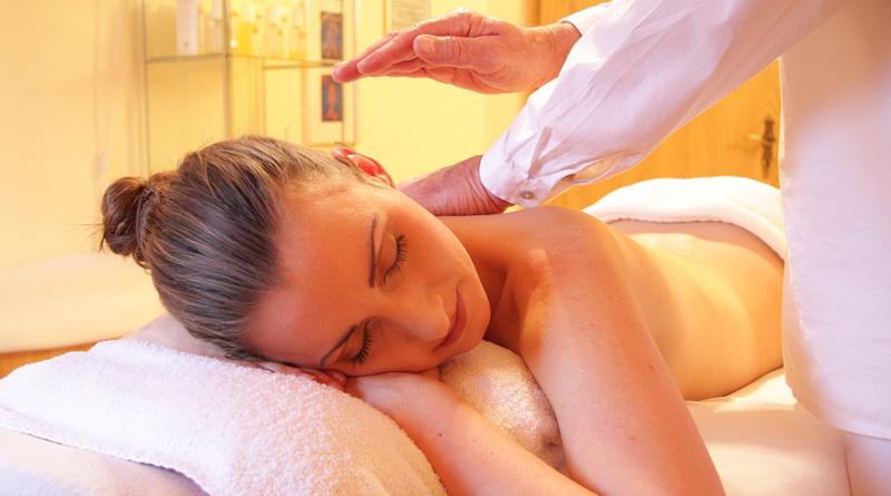 massage à l'huile de coco