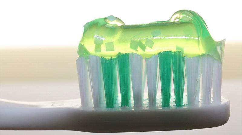 12 utilisations du dentifrice !
