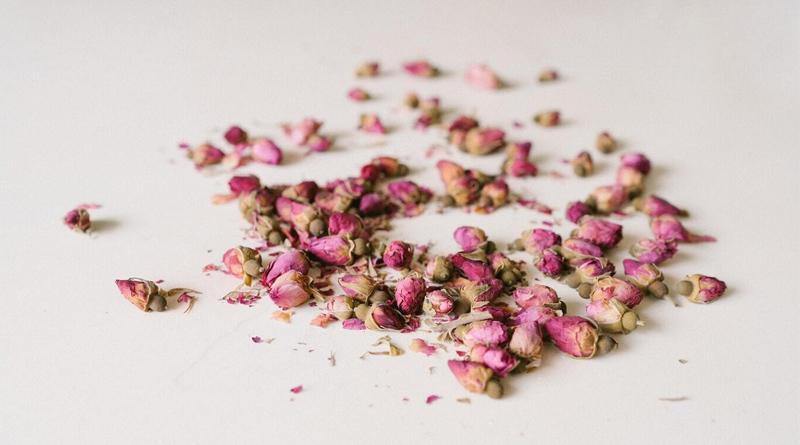 rose-pot-pourri